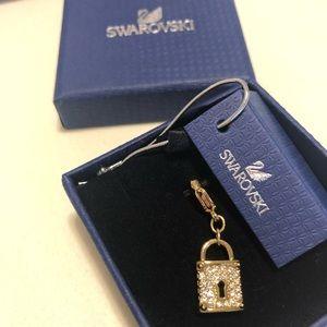 Gorgeous Swarovski Gold Lock Charm 💗